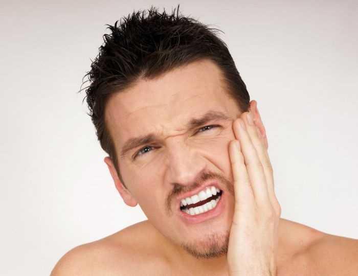 Удалили верхний зуб а болит нижняя челюсть